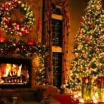 beautiful Christmas decorations for fireplace