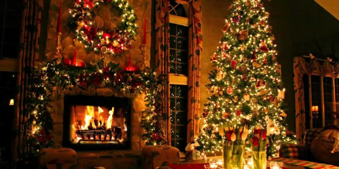 4K Christmas Fireplace Video: Ultra HD TV Screensaver Review