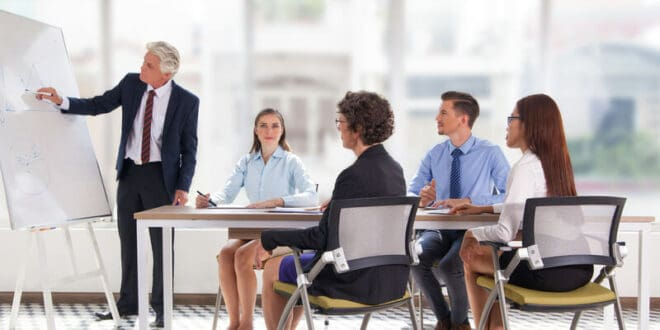 4 Ways To Effectively Train Your Employees